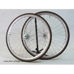 Campagnolo Chorus wheels set era C record with quick release Mavic CXP rims campagnolo cassette 8 speed vintage